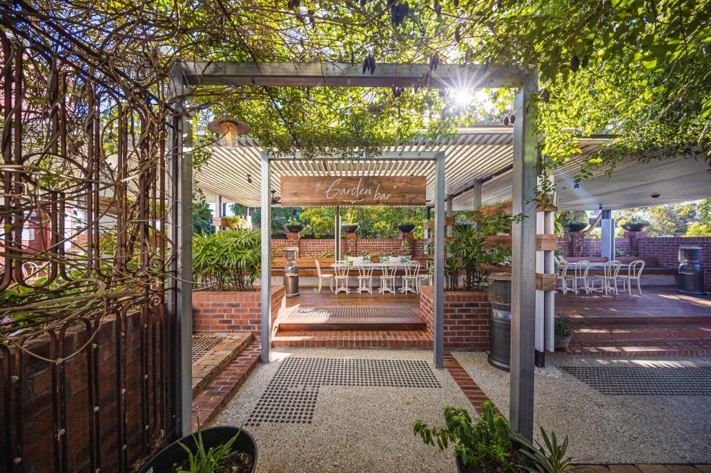 Garden bar in the morning